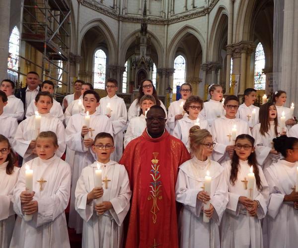 Enfants de Profession de foi et l'abbé I. Delouh