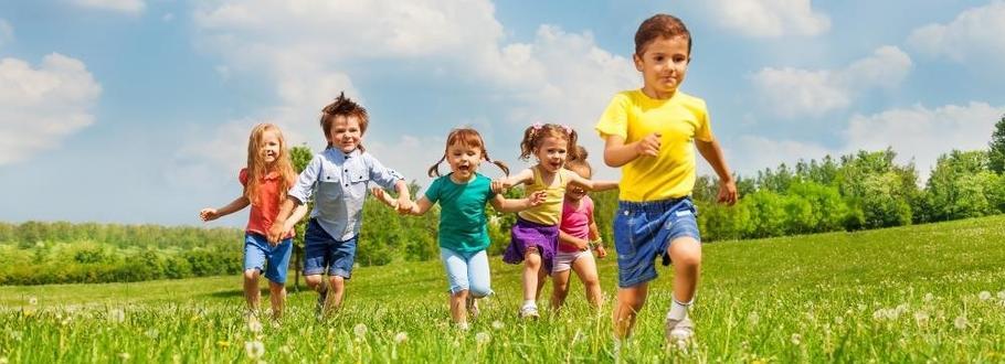 enfants qui courent eveil à la foi