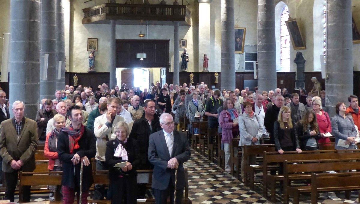 Messe solennelle à l'église
