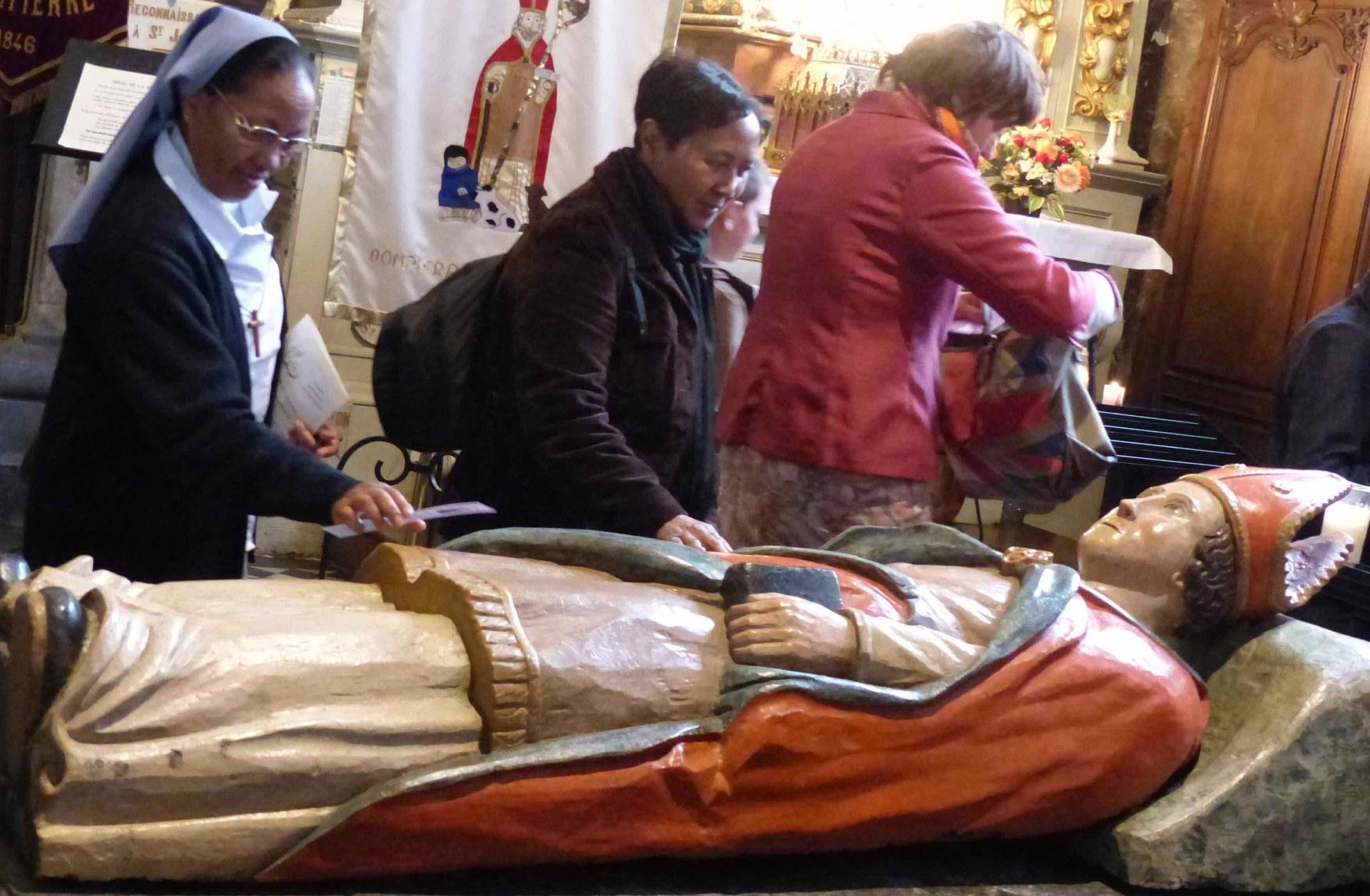 Saint Etton, modèle de piété, Priez pour nous !