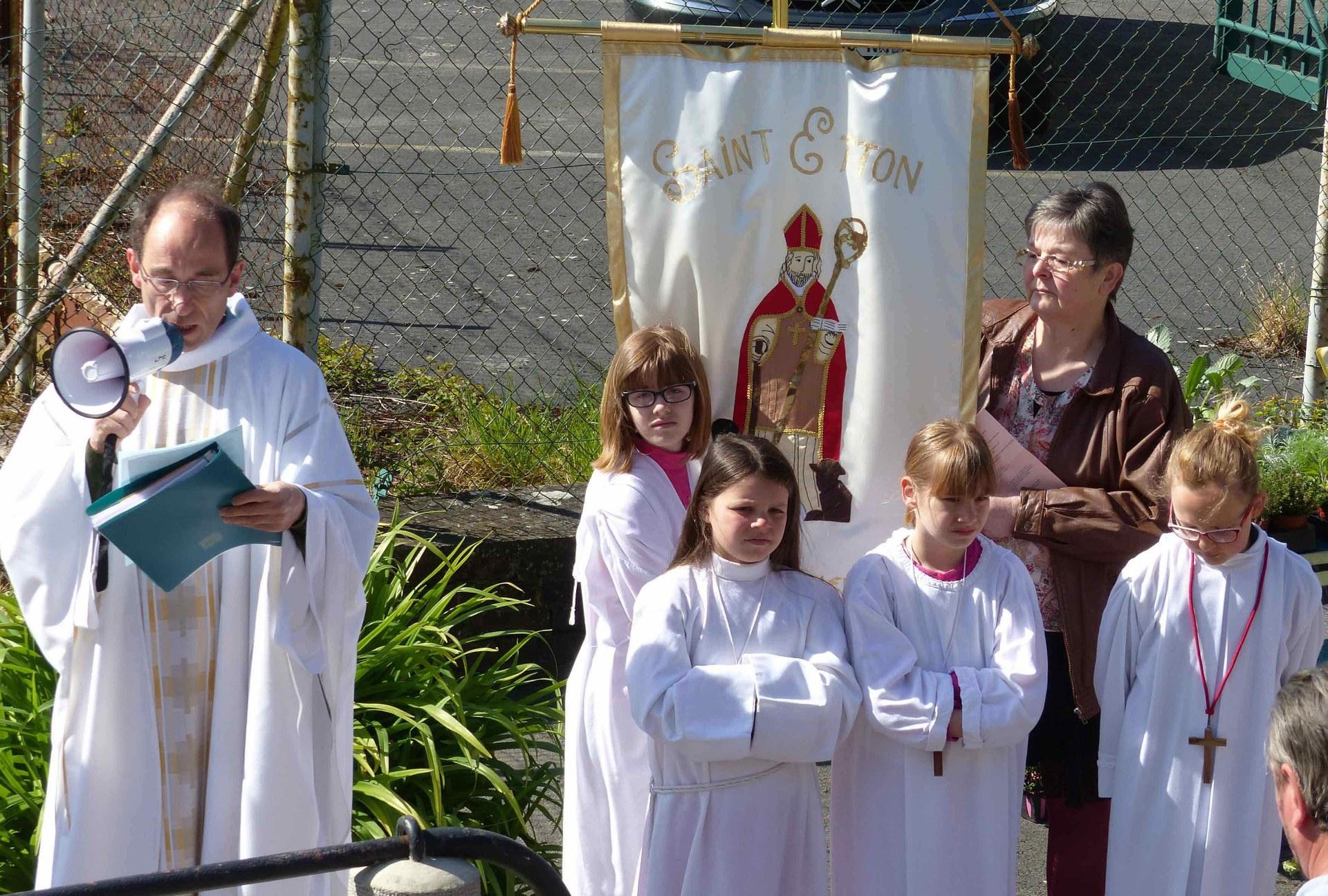 """Saint Etton, ce moine Irlandais, qui s'est fait """"notre Bon Samaritain"""" dans les années 600."""
