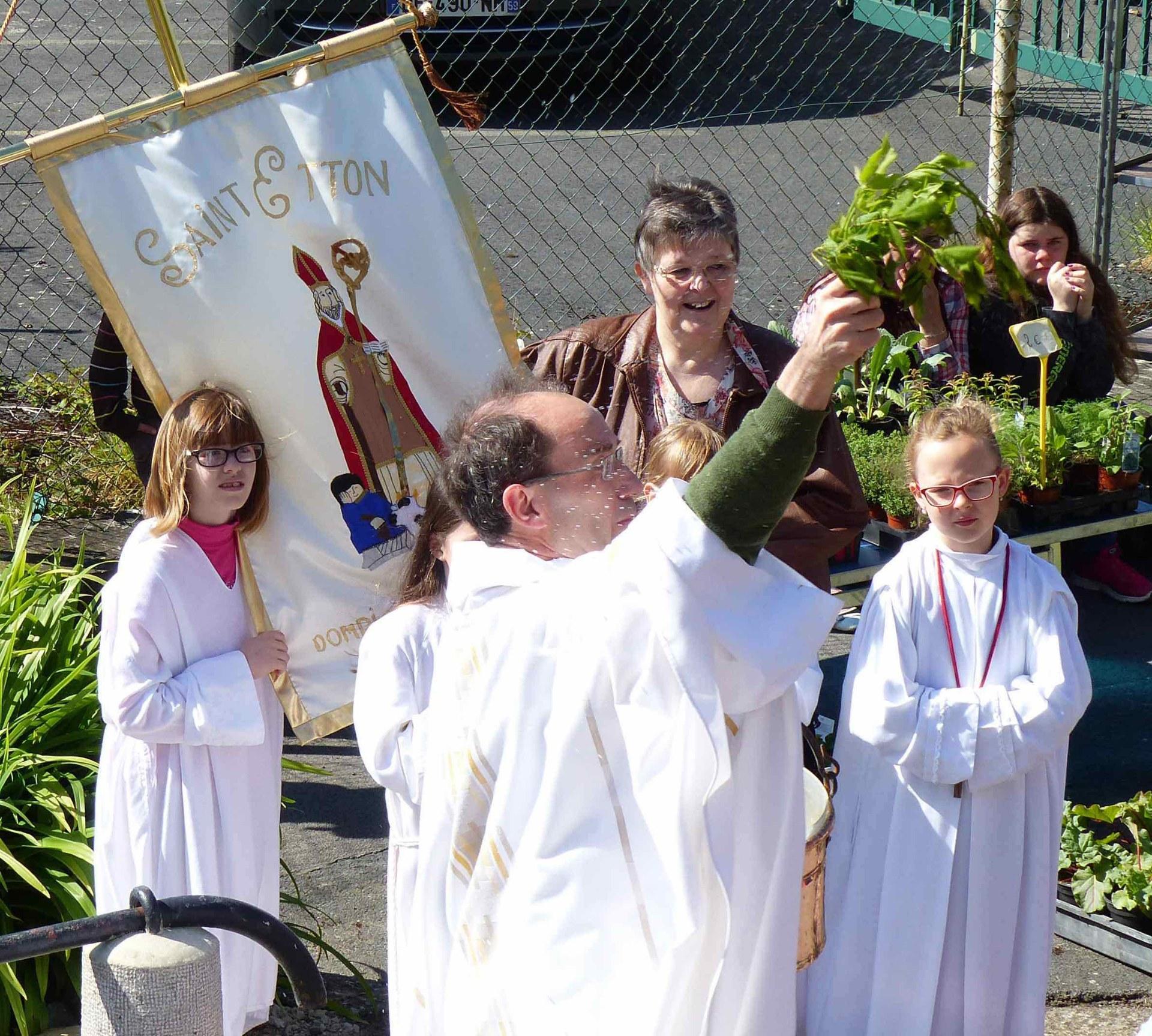 Baptisés, soyons accueillants comme le fut Saint Etton !