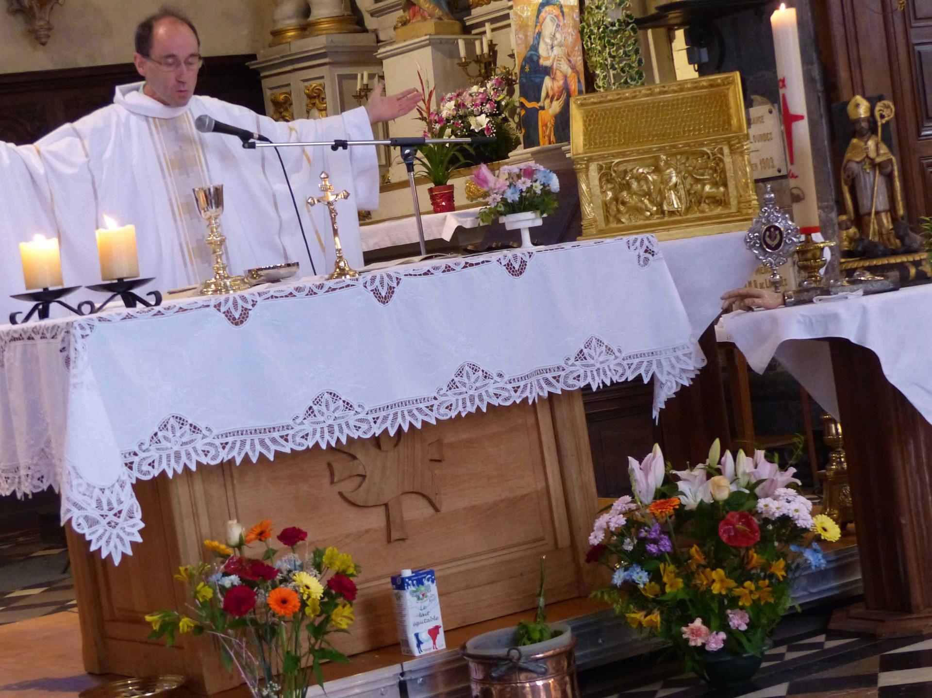 Comme le faisait déjà Saint Etton, nous célébrons la messe