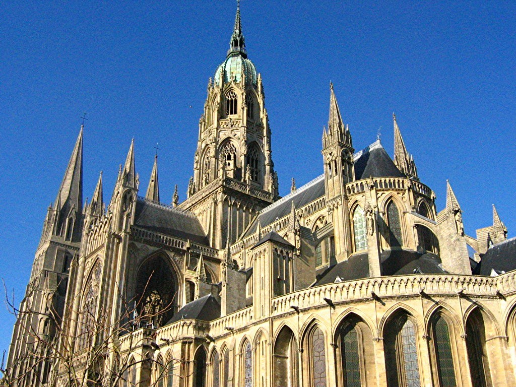 F1_Cathedrale_Bayeux_ext