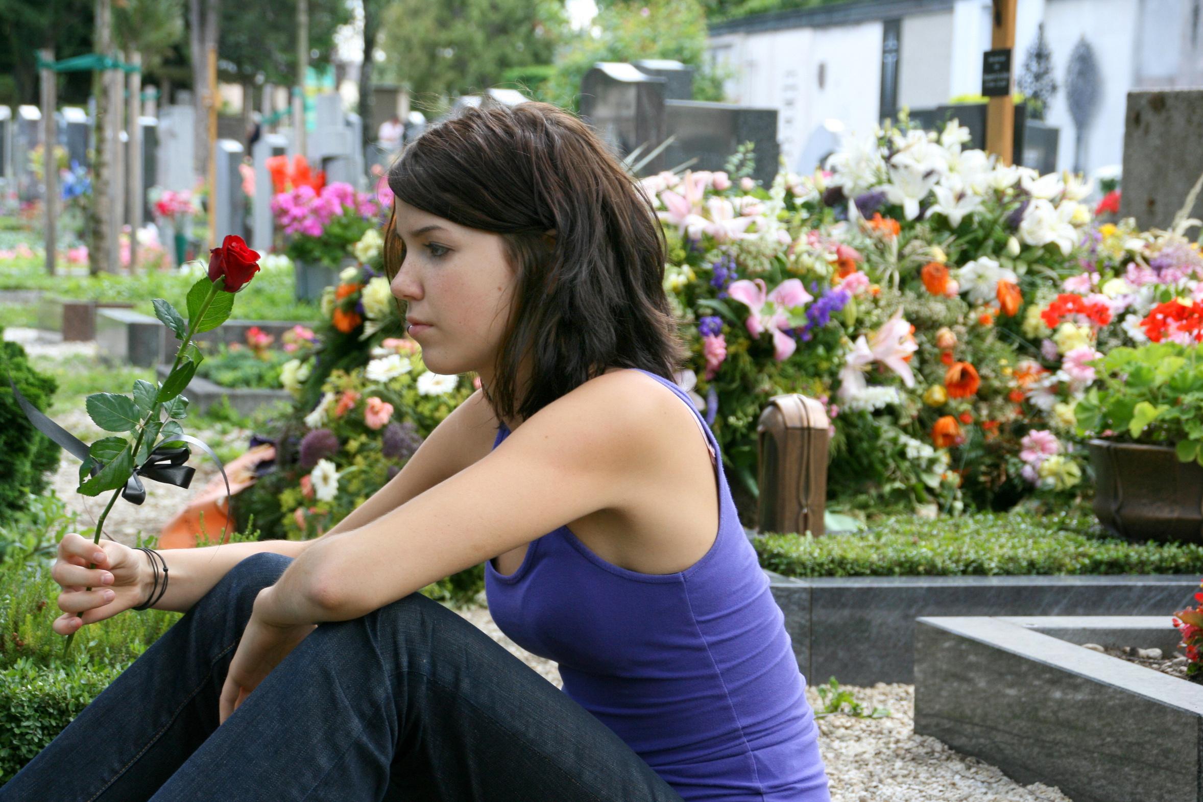 Au cimetière