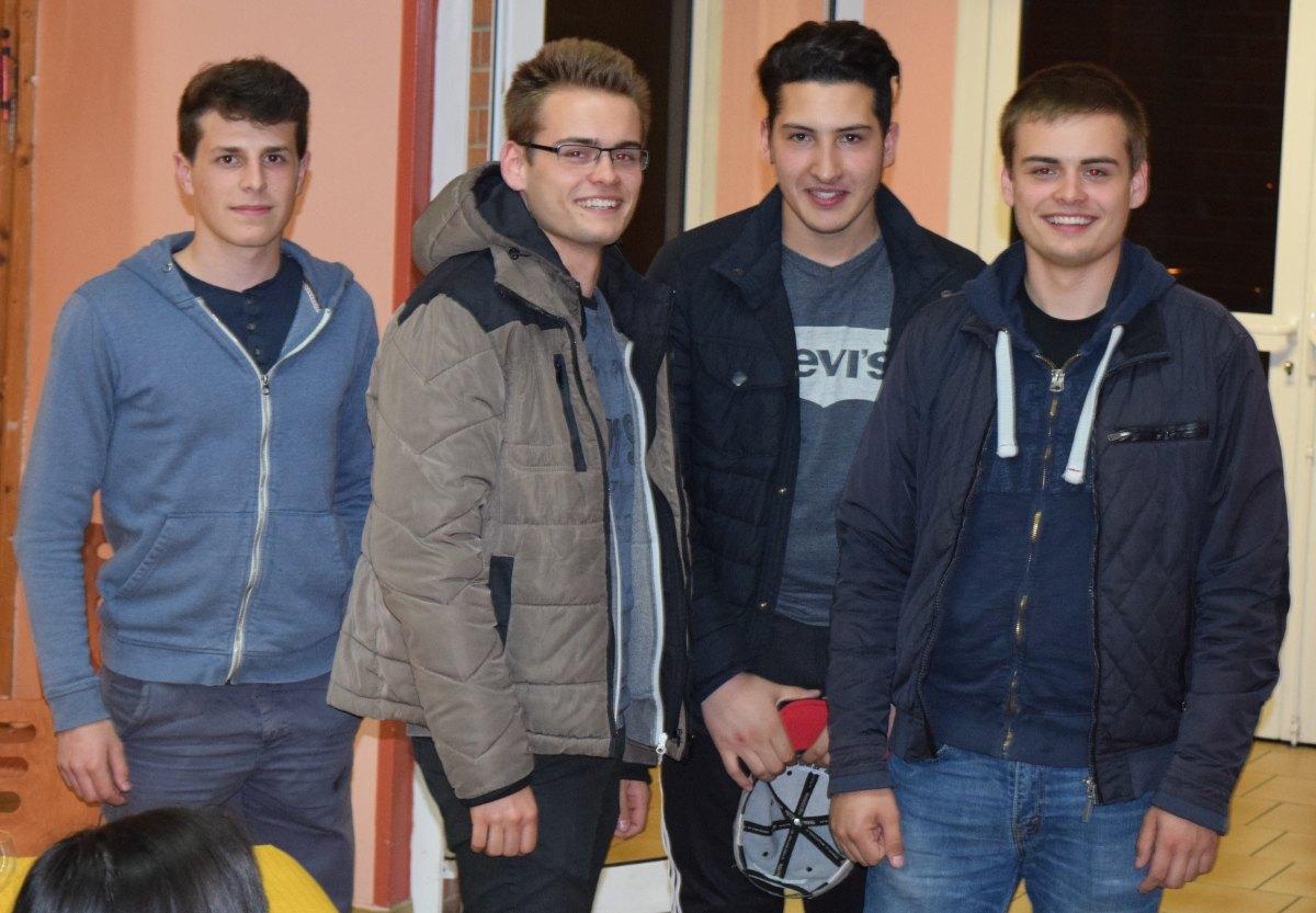 nos petits jeunes qui ont assuré pendant le concert à St Martin.. merci à eux !