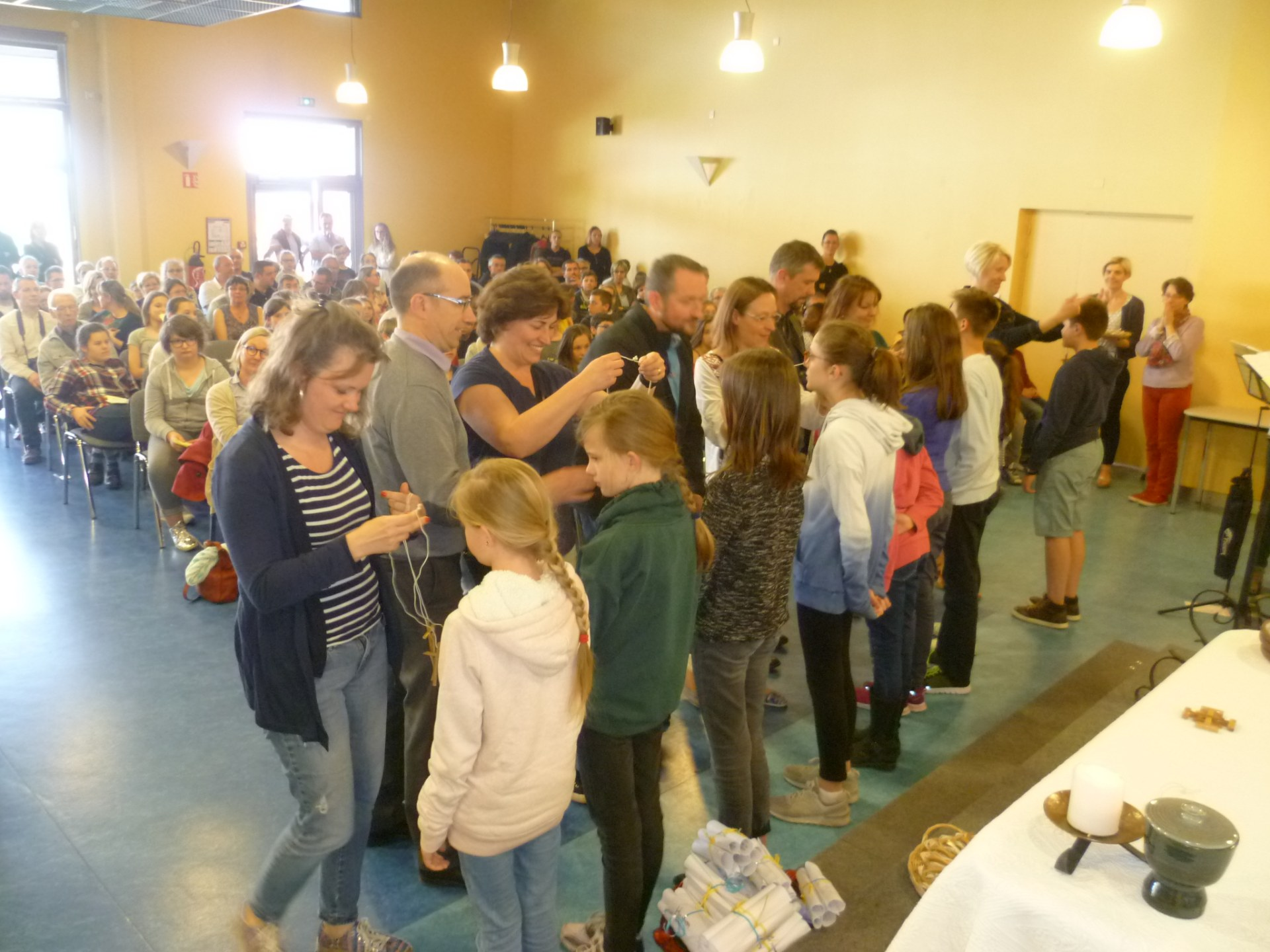 77 jeunes des 3 paroisses de l'amandinois