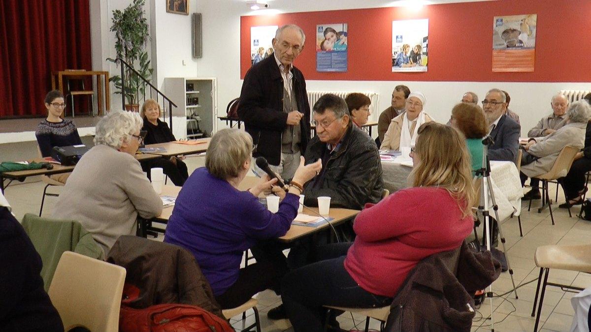 un porte-parole fait part des questions et propositions de son groupe...