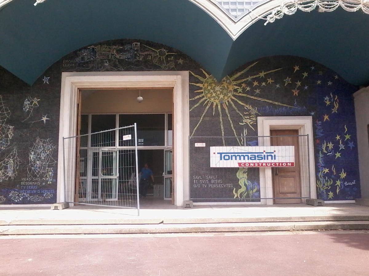 Ca y est. Les portes de l'église sont rouvertes. Mais pour le chantier. Les paroissiens devront attendre encore quelques mois