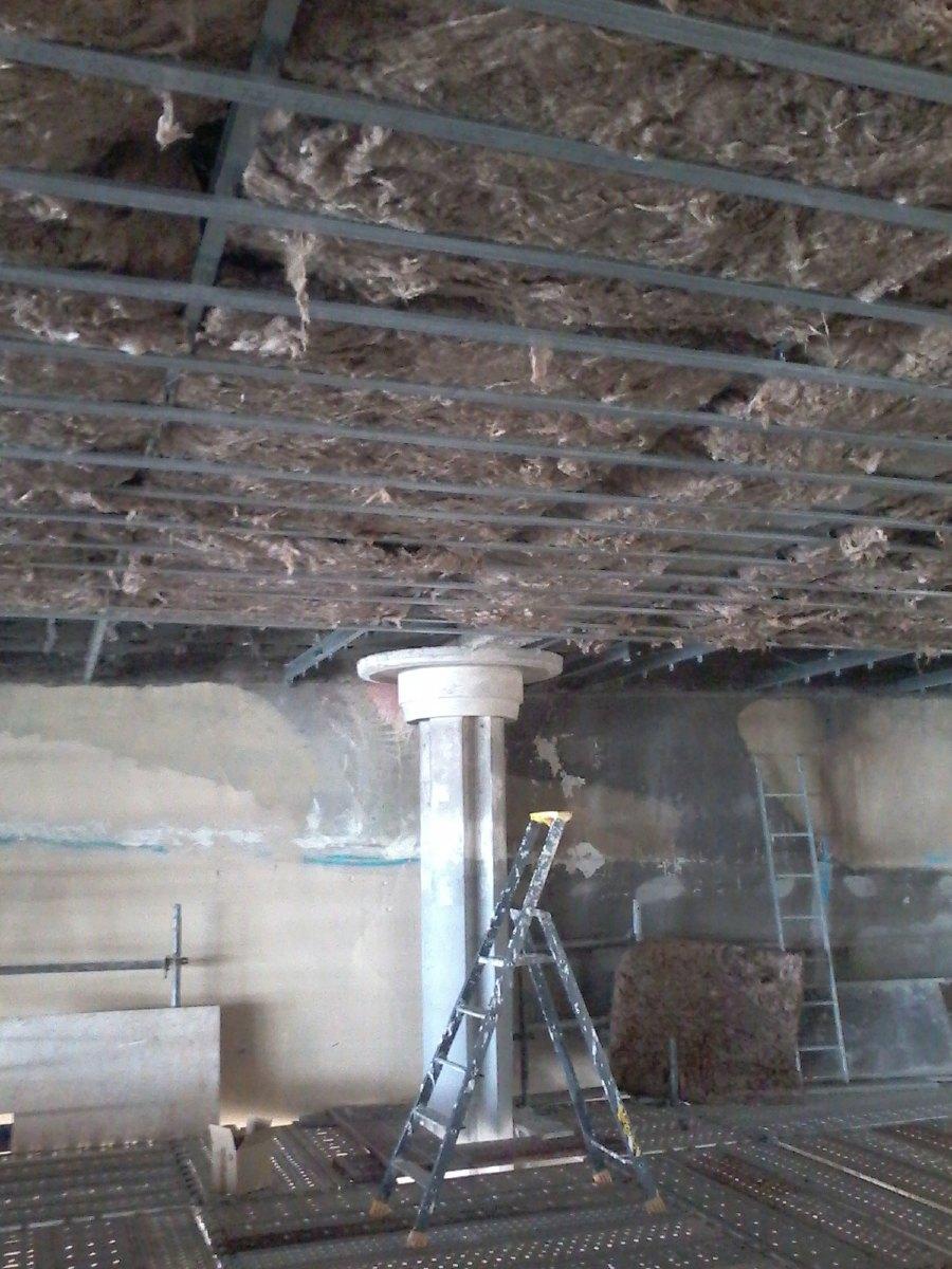 Dans la nef, isolation du plafond