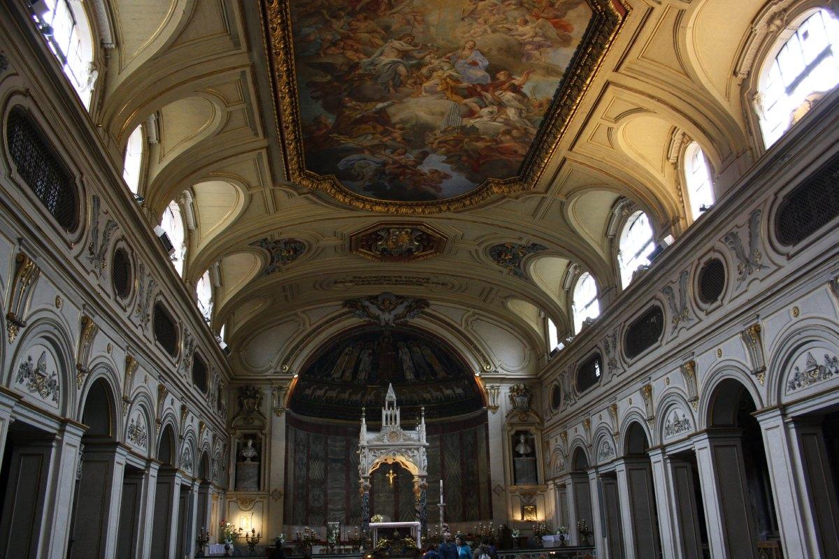 L'intérieur de la Basilique Ste Cécile