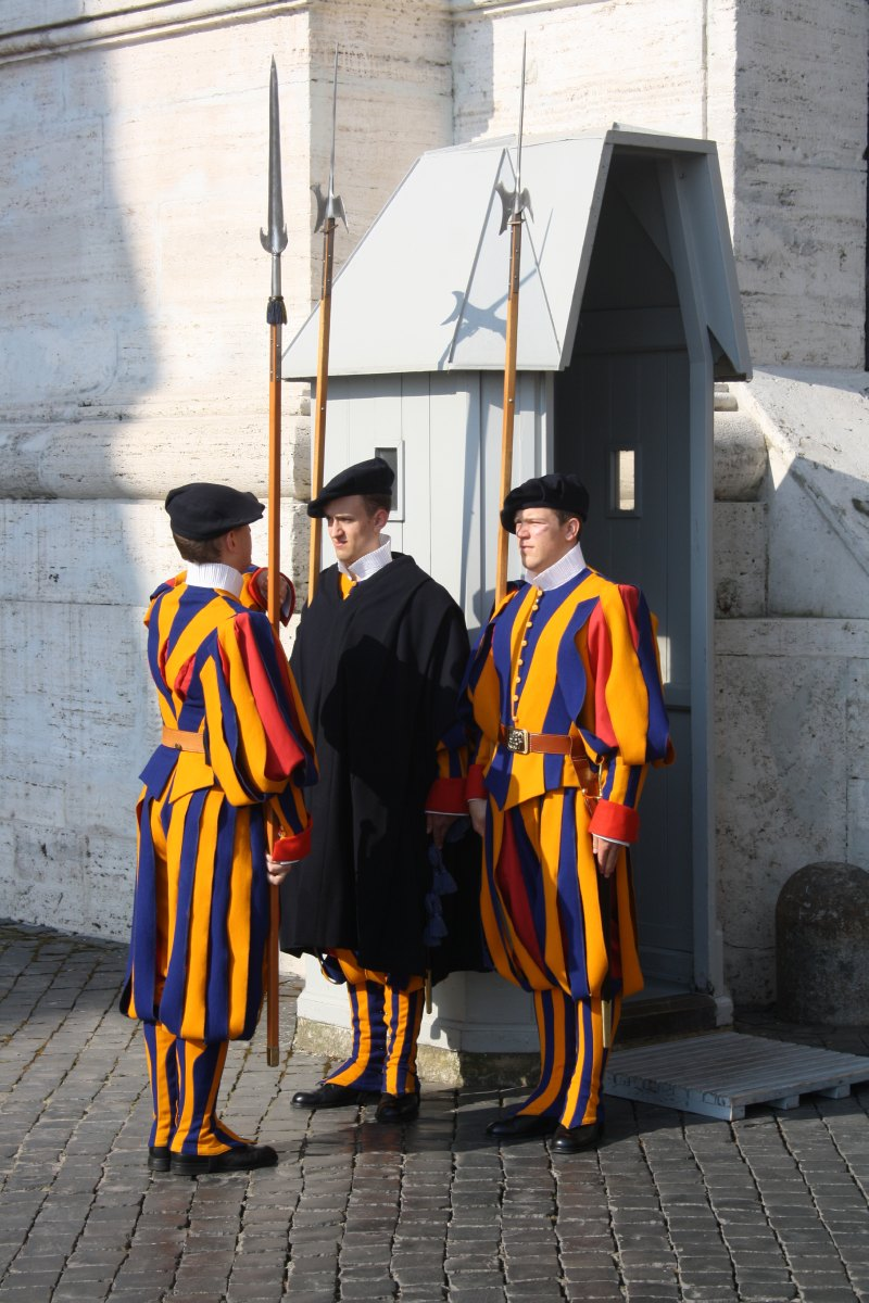La relève de la garde suisse