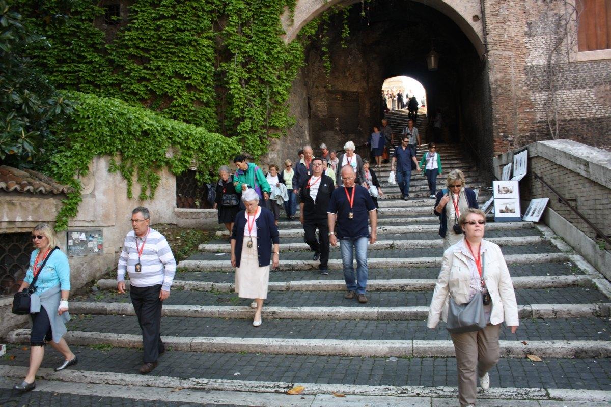 En route vers l'église Notre Dame des Monts