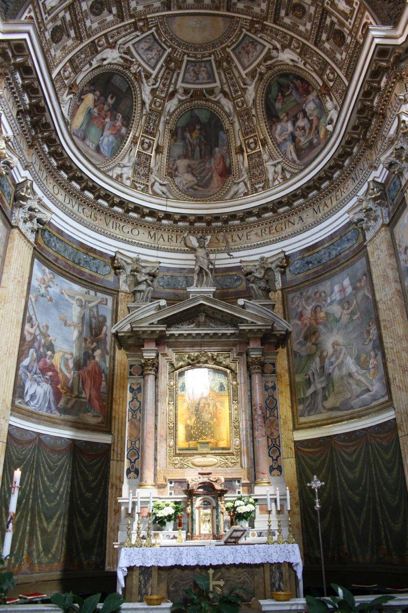 Le choeur de l'église de Notre Dame des Monts