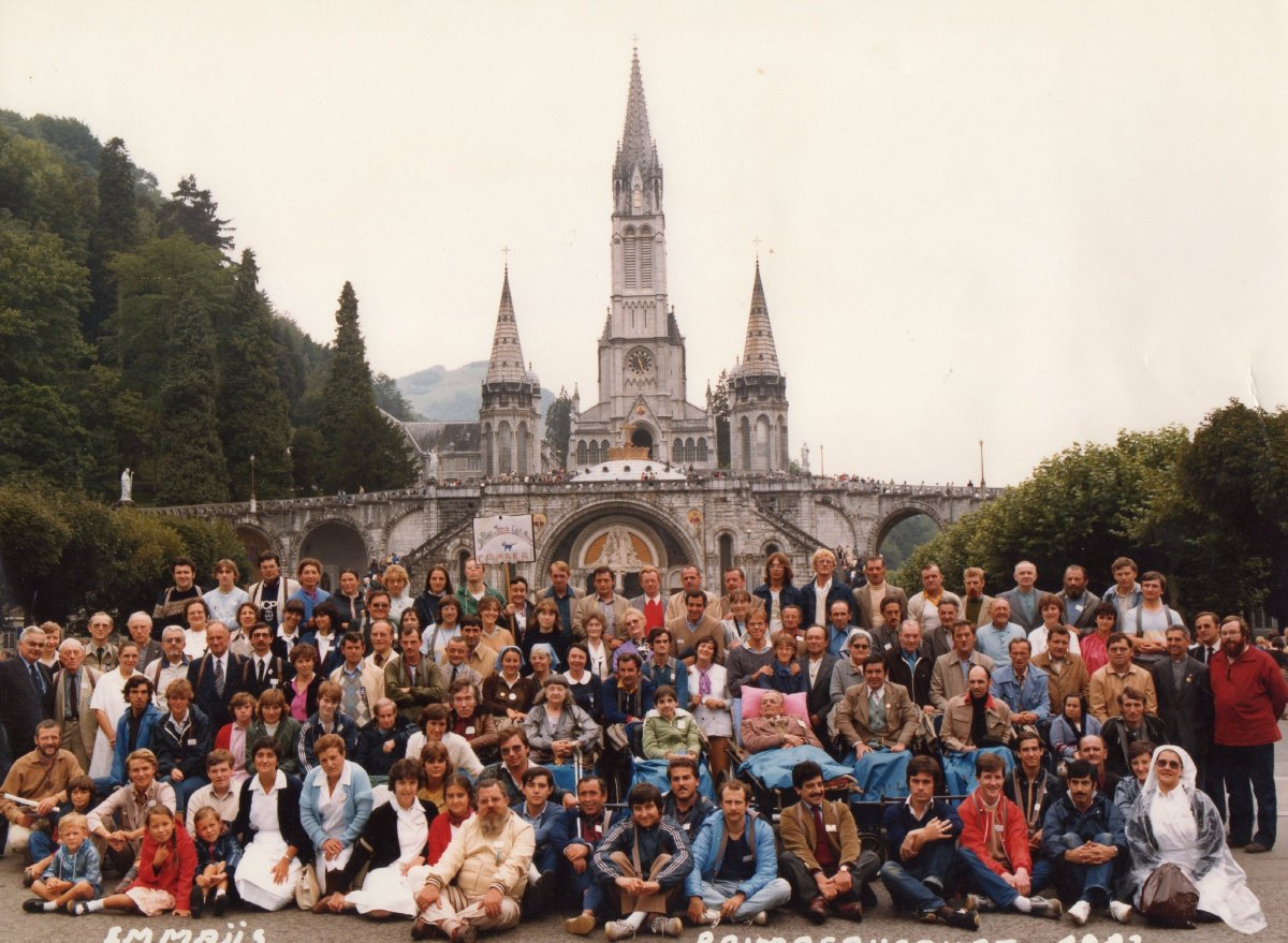 Emmaus Raimbeaucourt Lourdes Août 1982