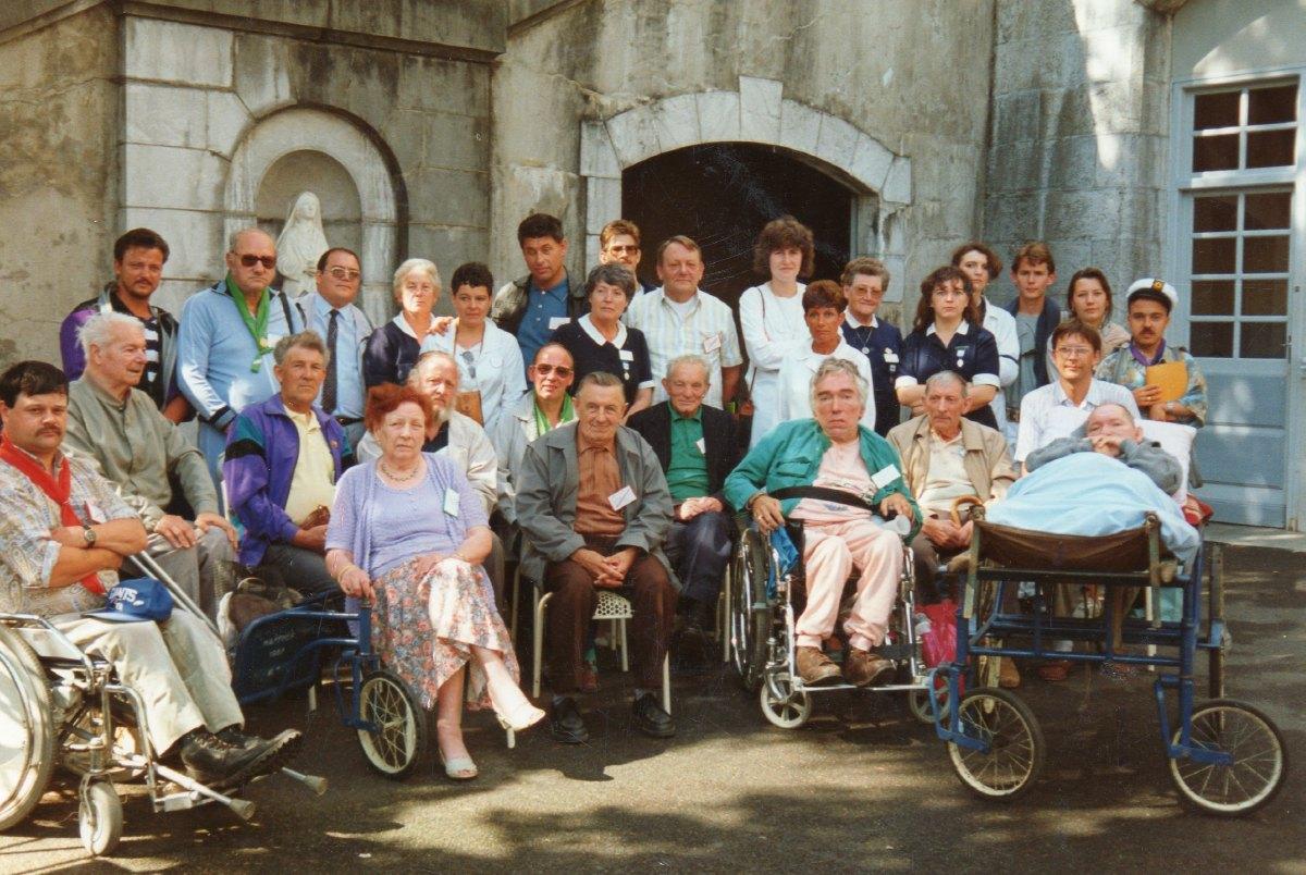 Pélé Août 1985 Hospitaliers et malades du Vert