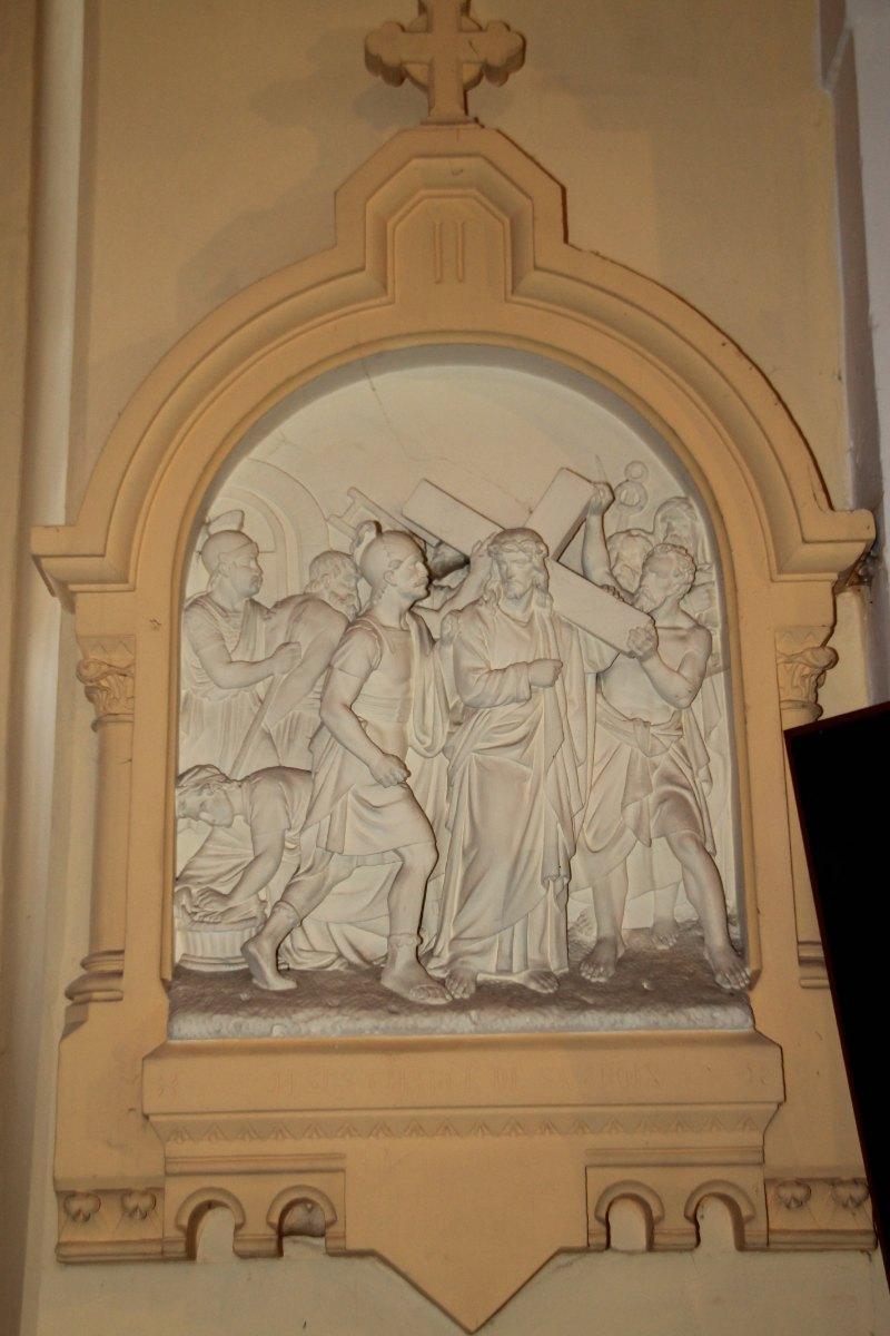 Jésus, chargé de sa Croix