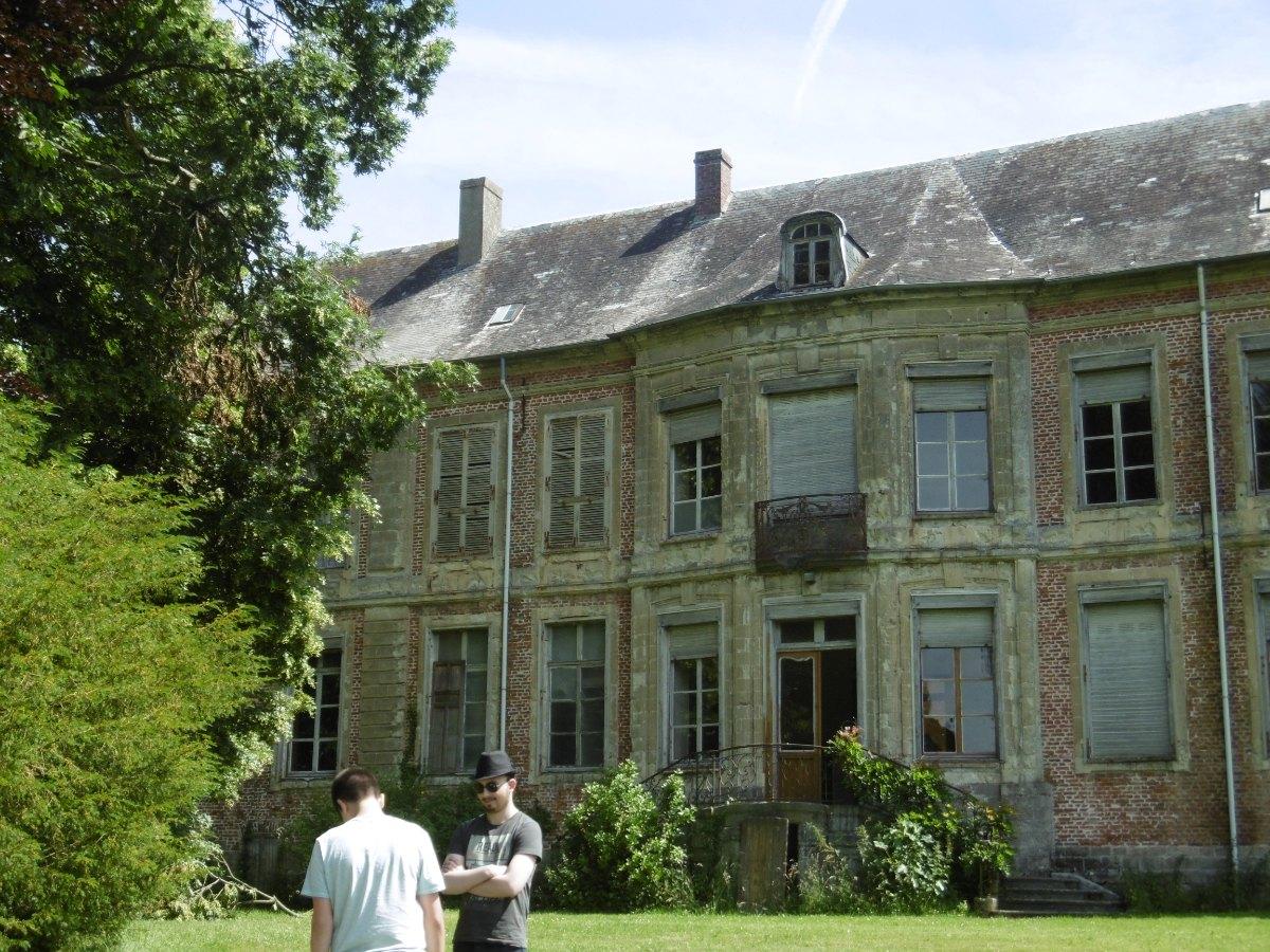 La façade arrière (ancien château).