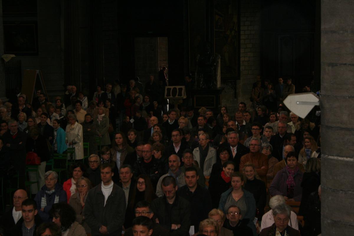 La foule, très dense...