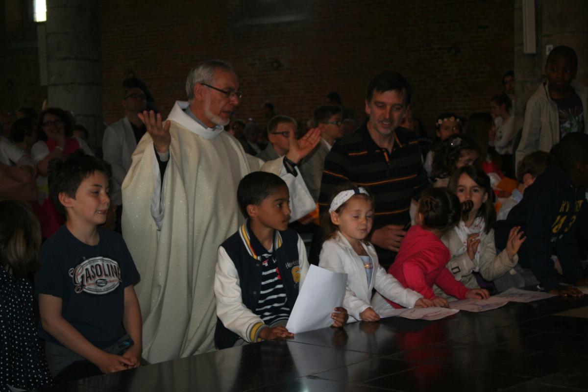 La prière avec les jeunes enfants.