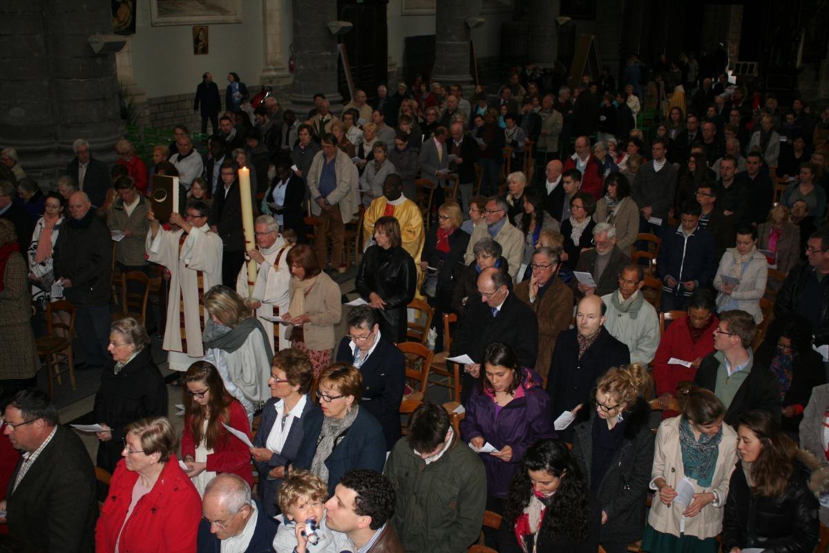 La procession d'entrée (2)