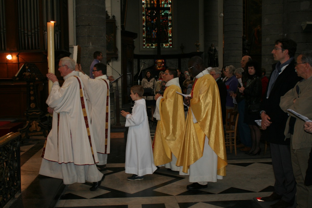 La procession d'entrée (3)