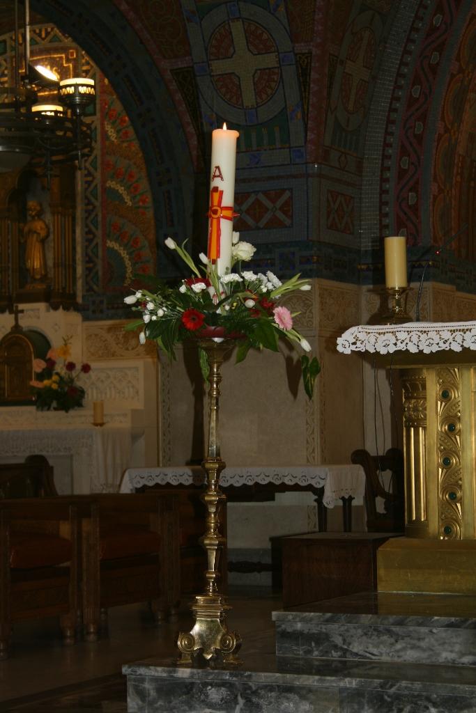 pl Lisieux mars 2012 040 (683x1024)