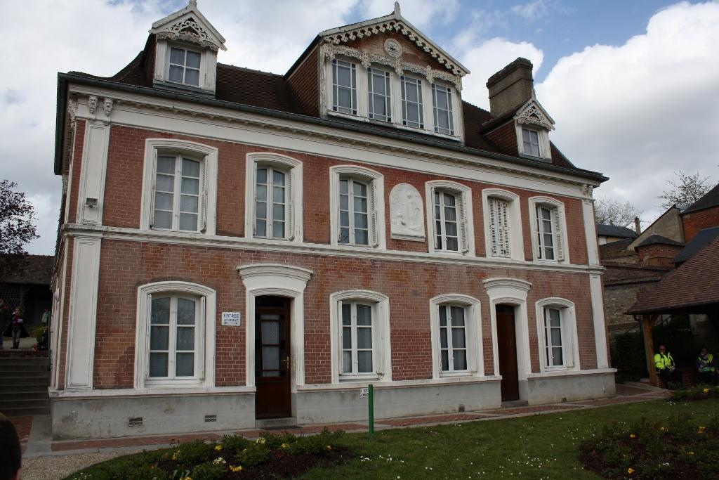 pl Lisieux mars 2012 056 (1024x683)