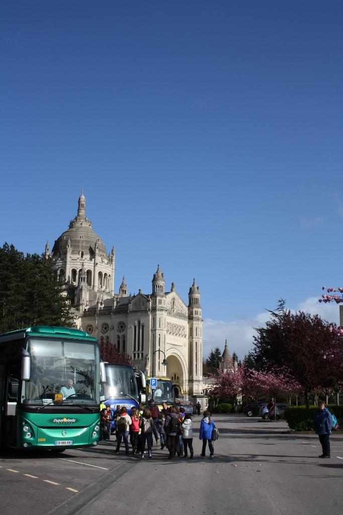 pl Lisieux mars 2012 066 (683x1024)