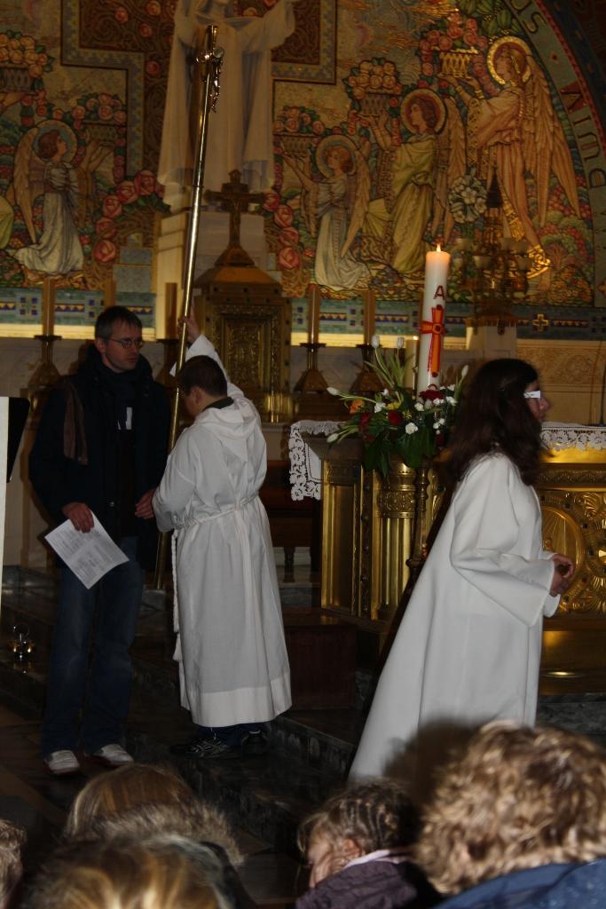 pl Lisieux mars 2012 118 (683x1024)