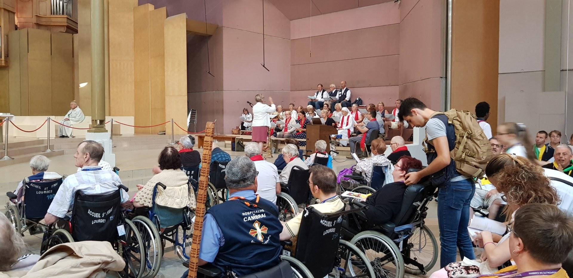 Lourdes 2018 - photos onction malades (2)