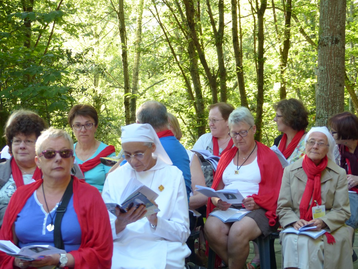 Lourdes2015_messe-cite-saint-pierre 11
