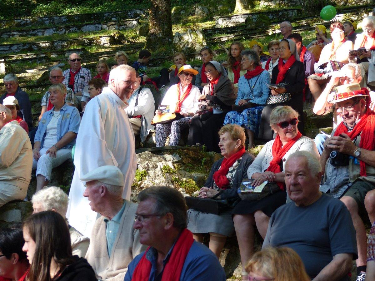 Lourdes2015_messe-cite-saint-pierre 12