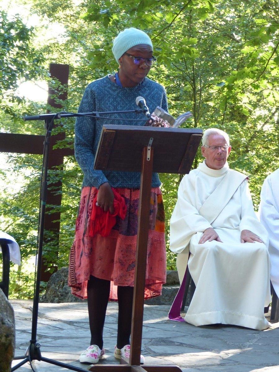 Lourdes2015_messe-cite-saint-pierre 20