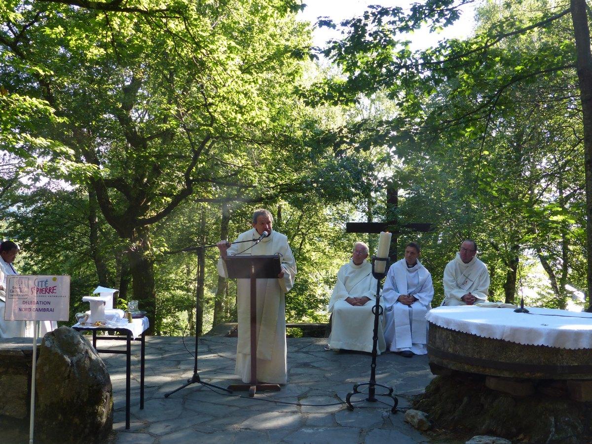 Lourdes2015_messe-cite-saint-pierre 26