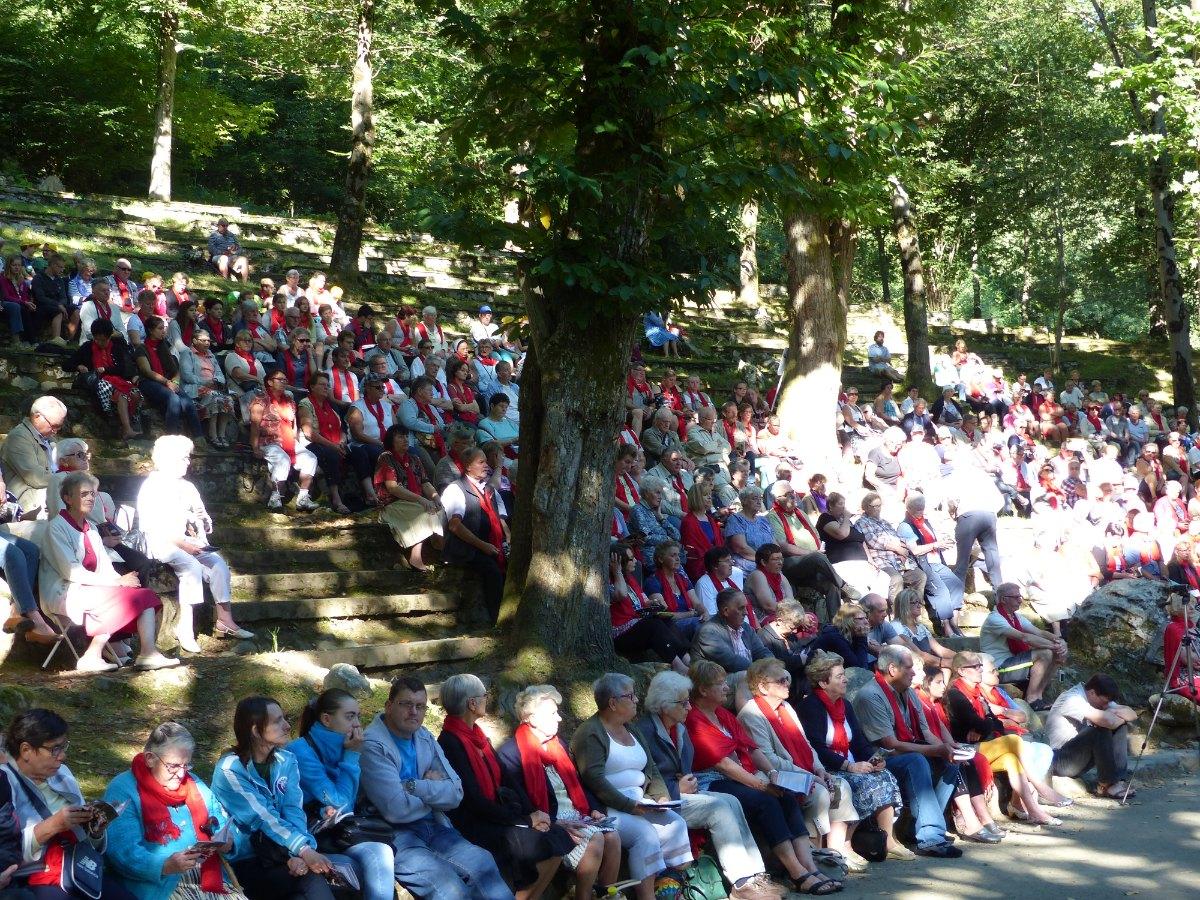 Lourdes2015_messe-cite-saint-pierre 28