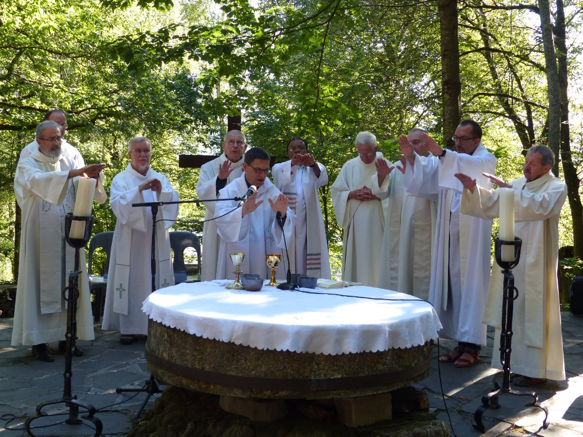 Lourdes2015_messe-cite-saint-pierre 32