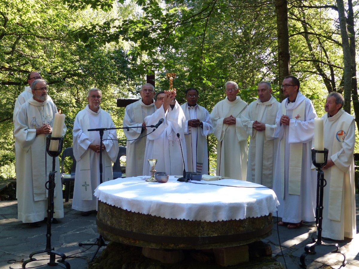 Lourdes2015_messe-cite-saint-pierre 34