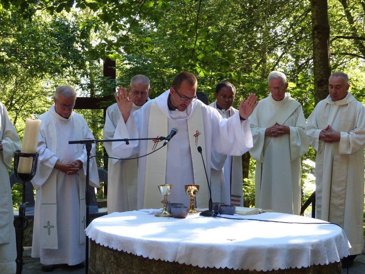 Lourdes2015_messe-cite-saint-pierre 35