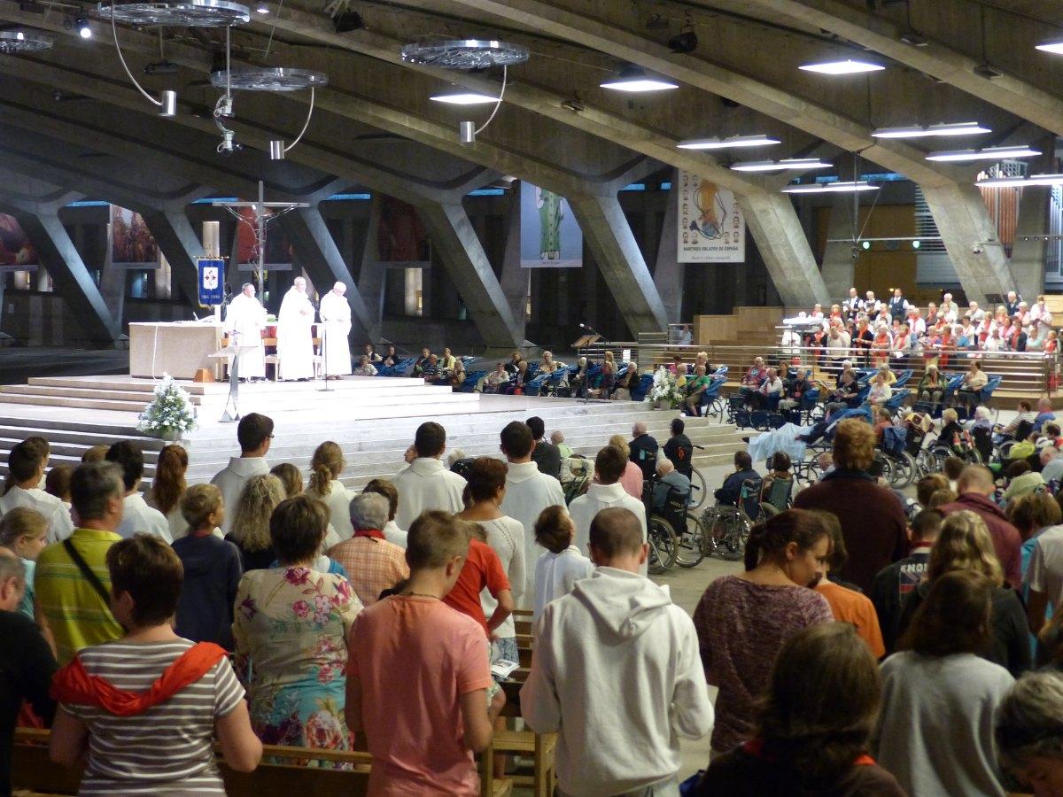 Lourdes2015_sacrement-malades 17