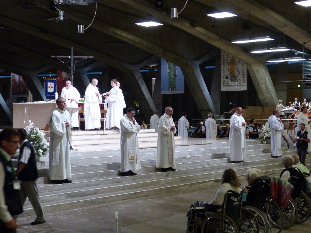 Lourdes2015_sacrement-malades 26
