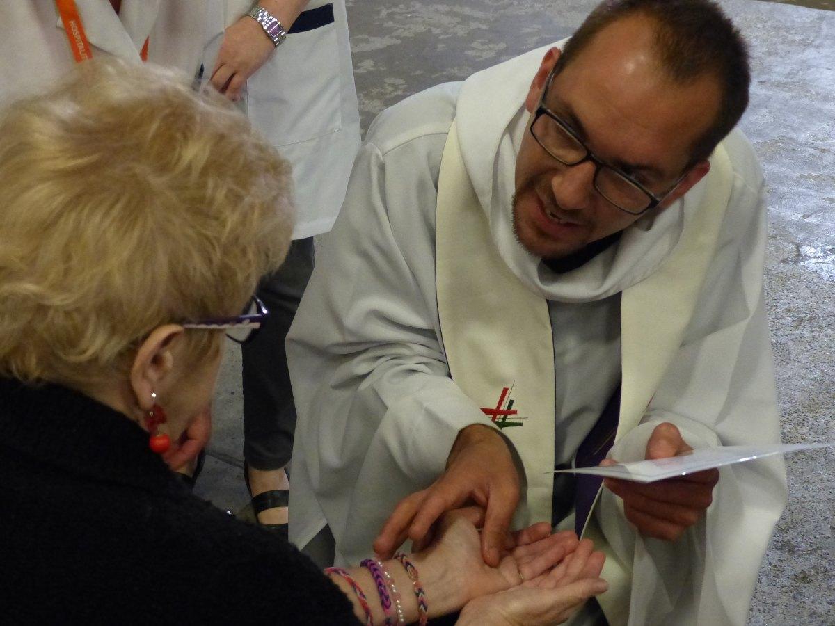 Lourdes2015_sacrement-malades 36