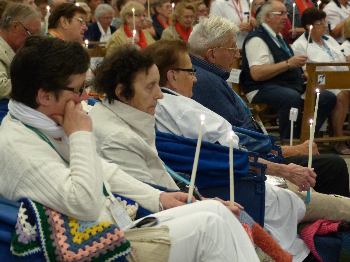 Lourdes2015_sacrement-malades 43