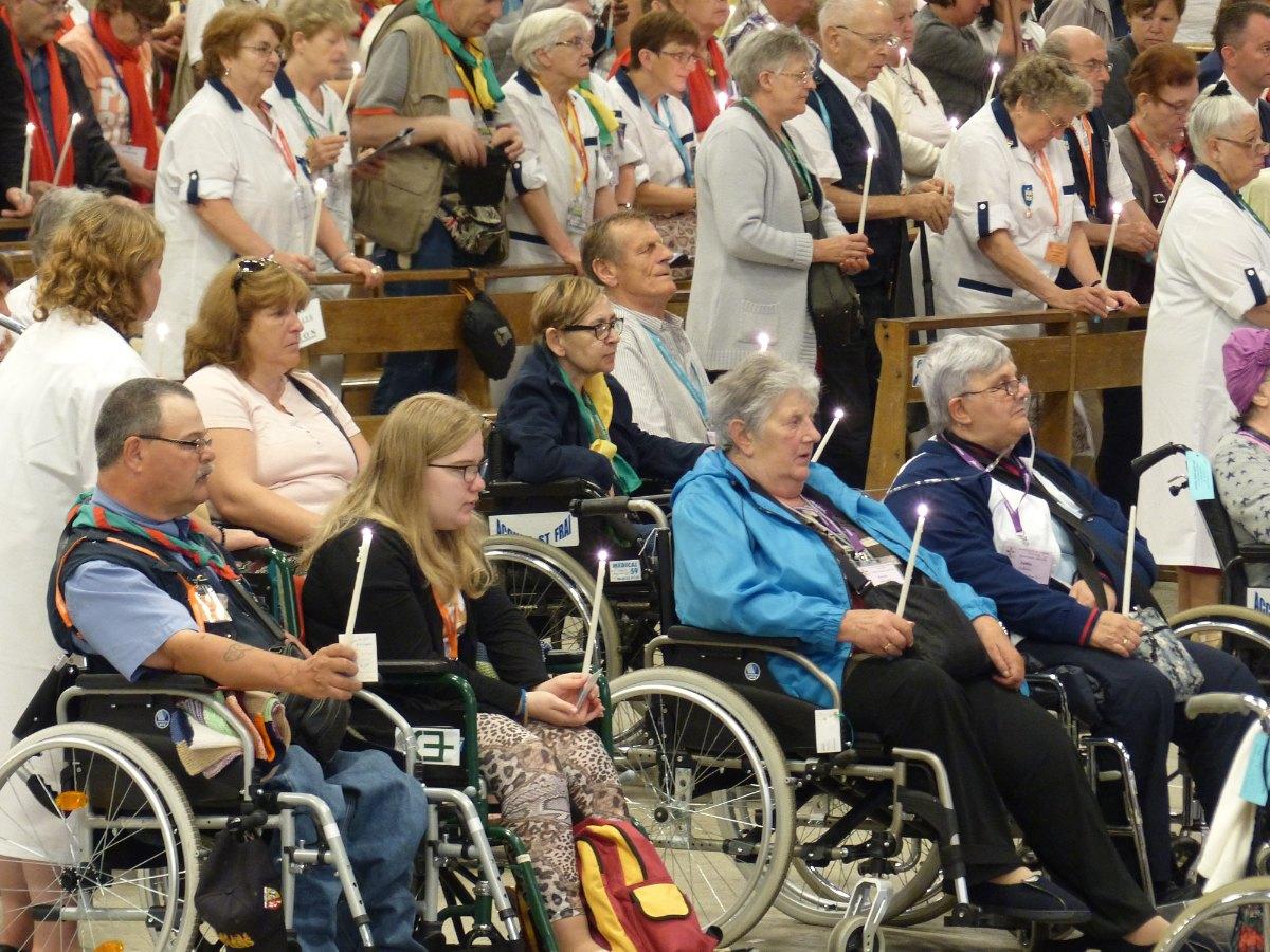 Lourdes2015_sacrement-malades 54