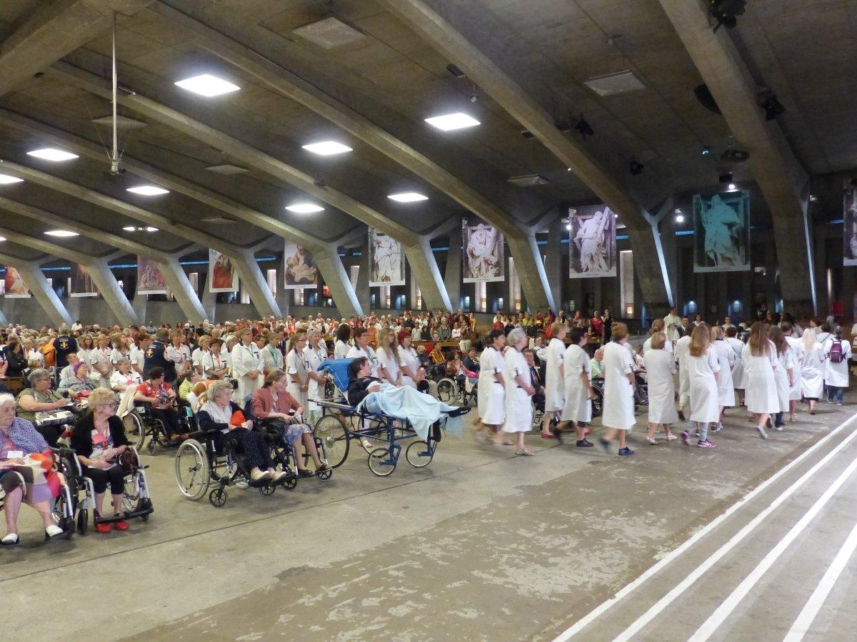 Lourdes2015_sacrement-malades 8