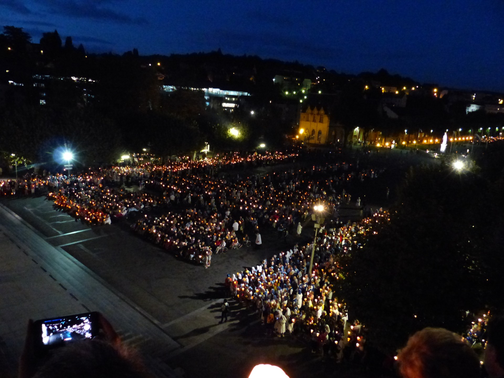Lourdes2018-photos procession flambeaux 2 (1)