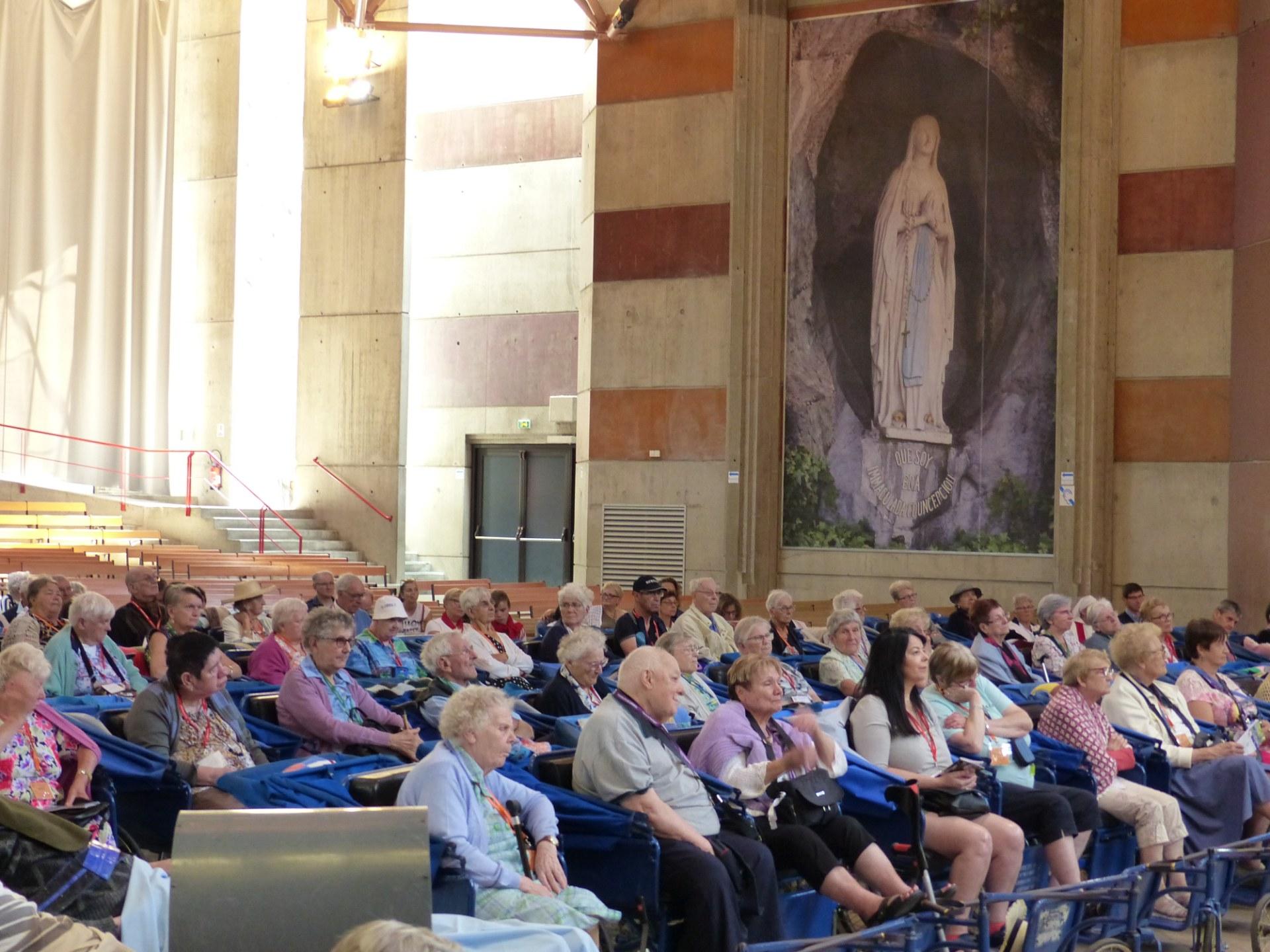 Lourdes2018-photos Sacrmt reconciliation (4)