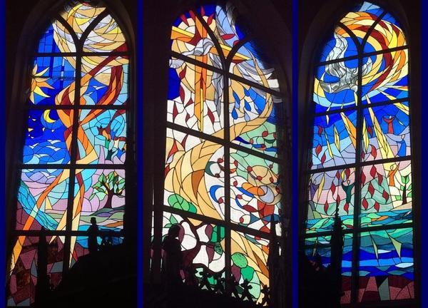 Mairieux-vitrail 00 Pere Fils Saint-Esprit