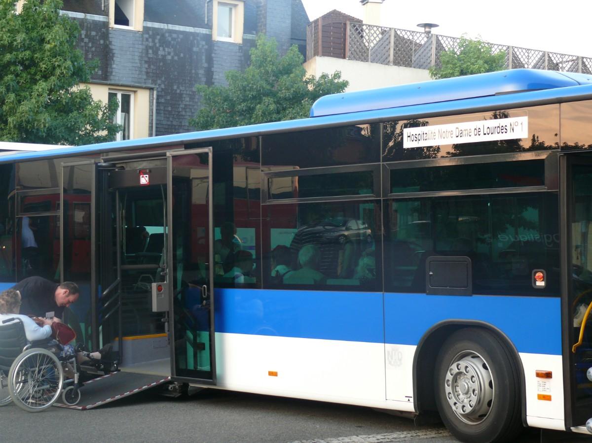 les malades partent en bus