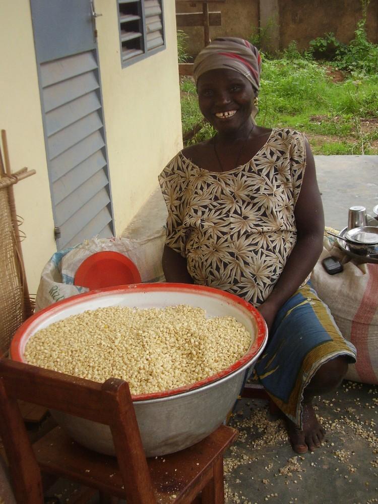 Maman trie le maïs